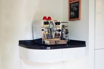 tischlerei_beckmann_kueche_kaffeemaschine